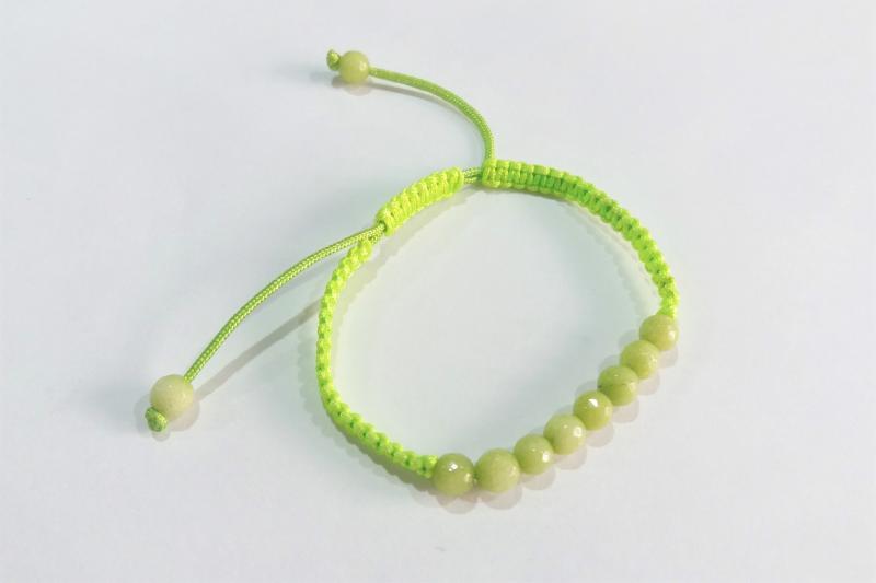 Pulsera macramé verde fluorescente  -