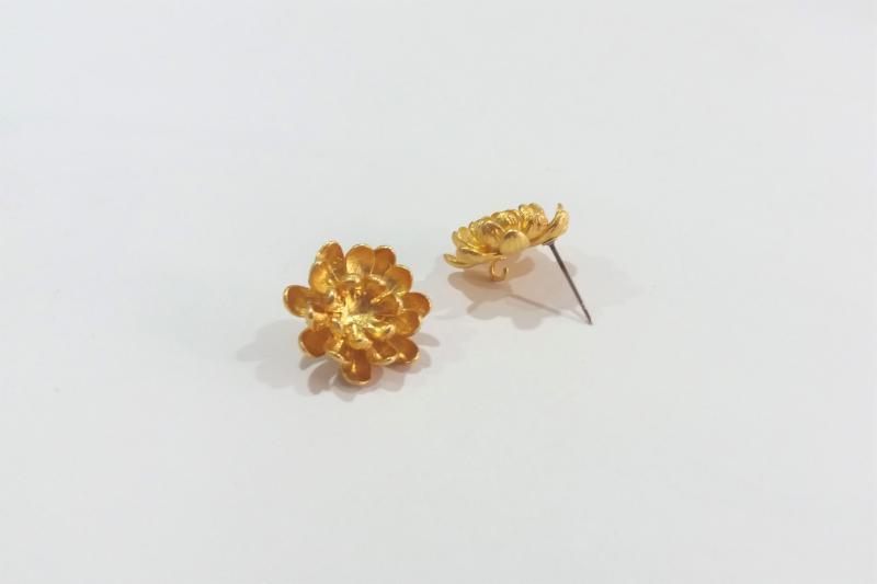 Fornitura de latón crisantemos (pendientes)