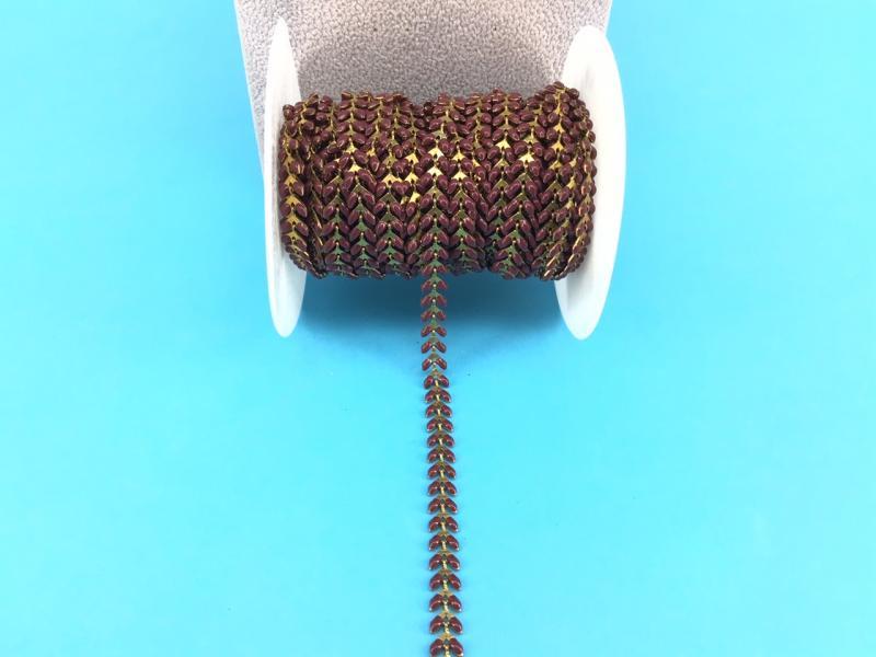 Cadena de latón esmaltado