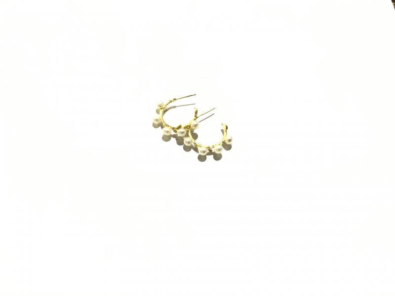 Pendiente baño de oro con perlas