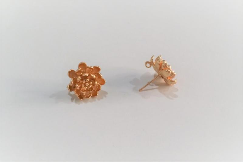 Fornitura de latón flor crisantemo (pendientes)